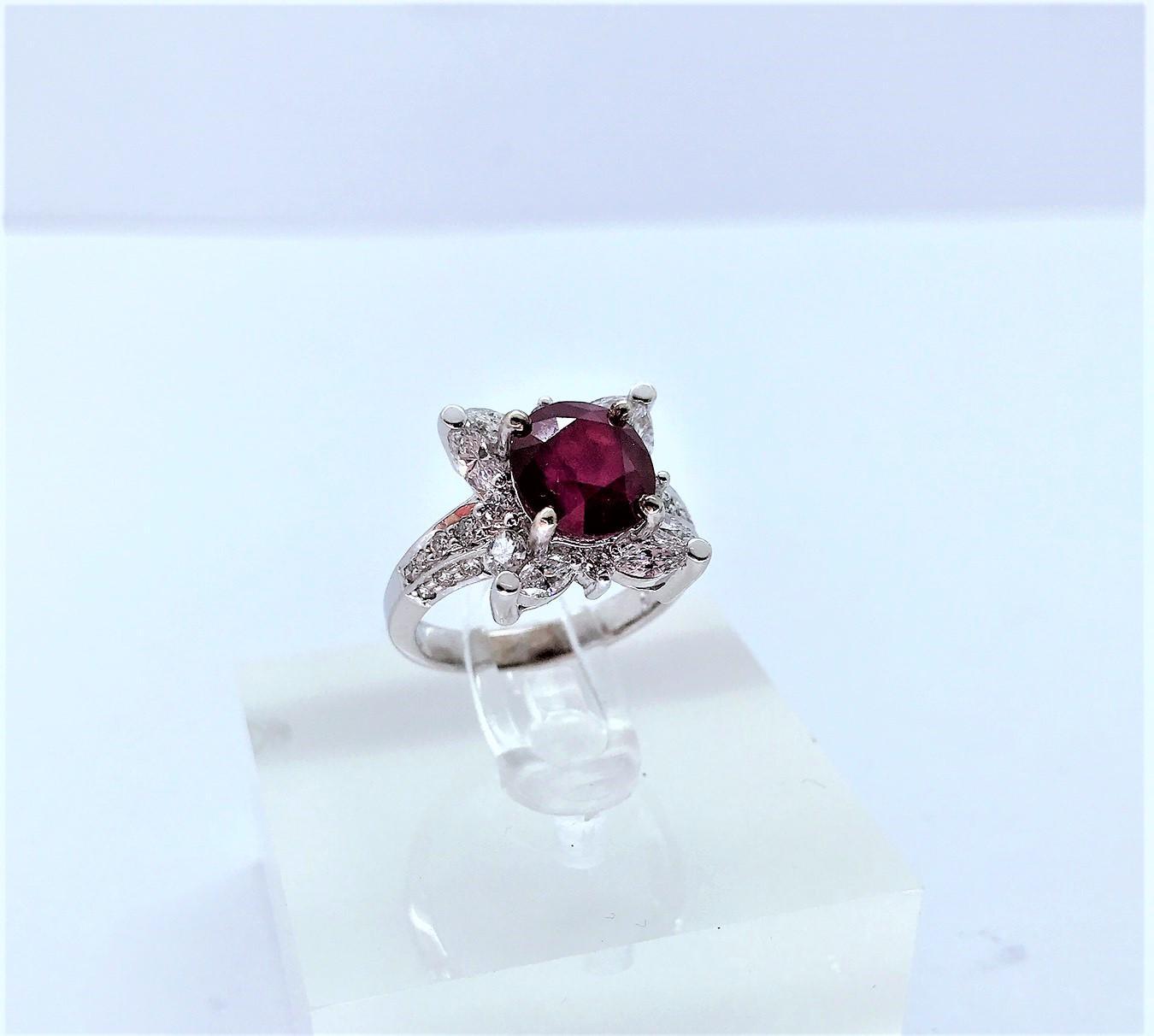 天然紅寶石鑽戒 3.21ct 馬眼鑽共1.60ct 圓鑽共0.42ct F0331